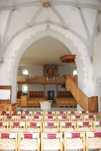 Chor: Blick durchs Chor ins Kirchenschiff